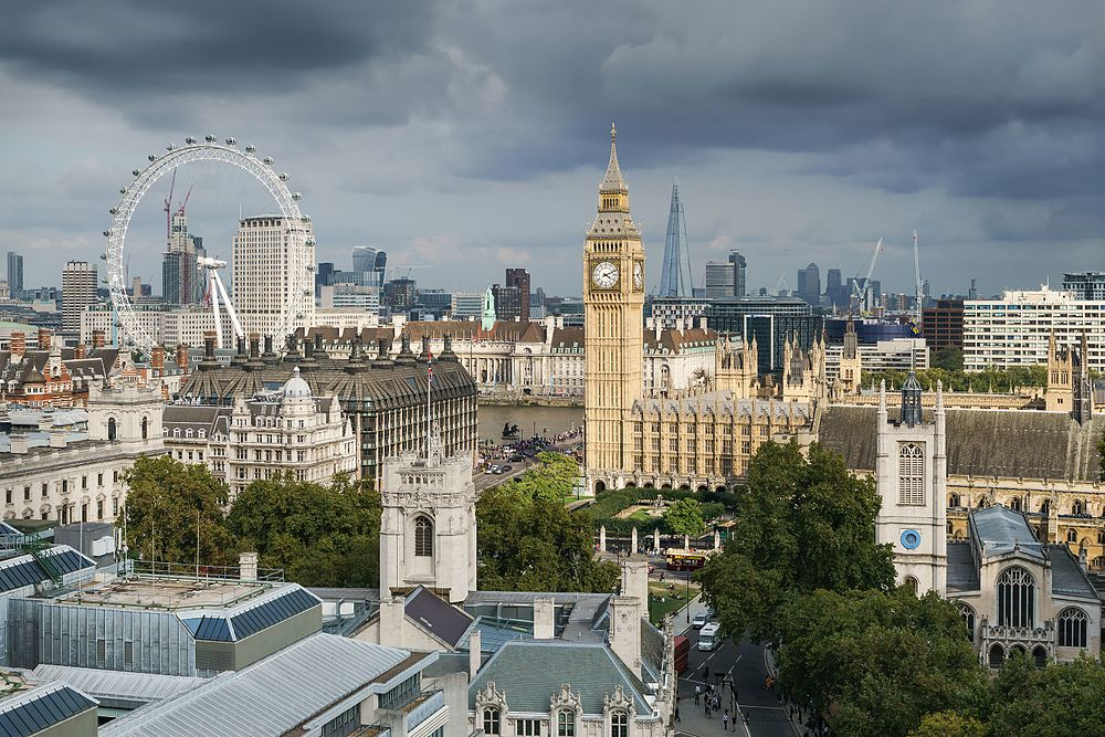 Palace_of_Westminster_from_the_dome_on_Methodist_Central_Hall
